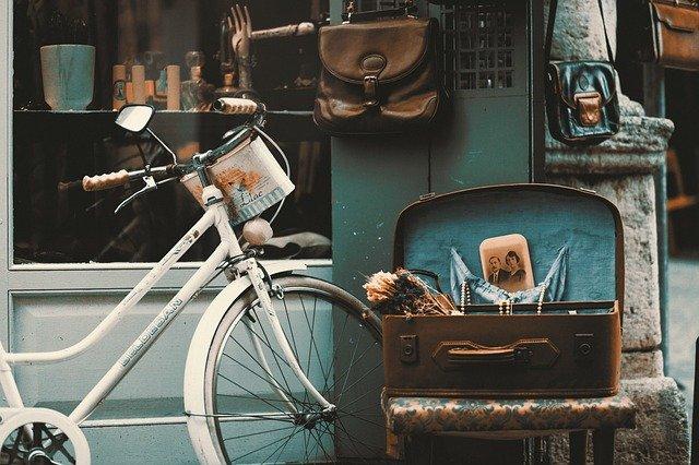 Stile vintage vecchia buona moda, seguendo Mary Quant
